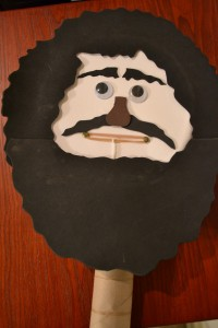 Paper Plate Puppet 1
